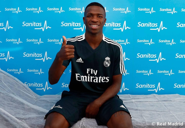 Vinicius Junior faz primeiros exames clínicos no Real Madrid