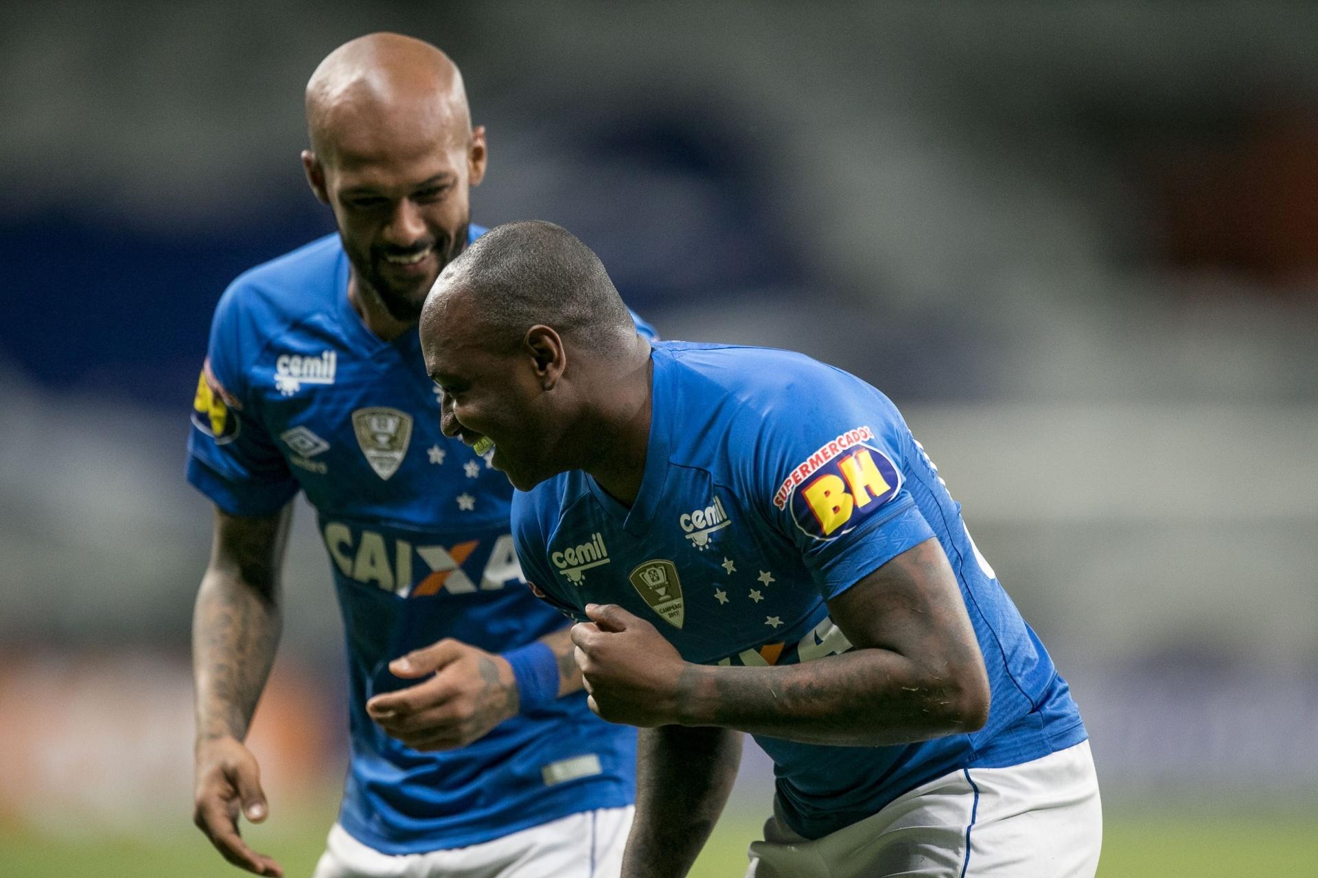 a75dd1d4b8 Time misto do Cruzeiro vira para cima do Santos e reage no Brasileiro -  23 09 2018 - UOL Esporte