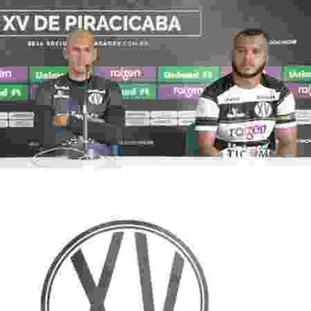 Jefferson Feijão (direita) é apresentado no XV de Piracicaba - Vitor Prates/Site oficial XV de Piracicaba
