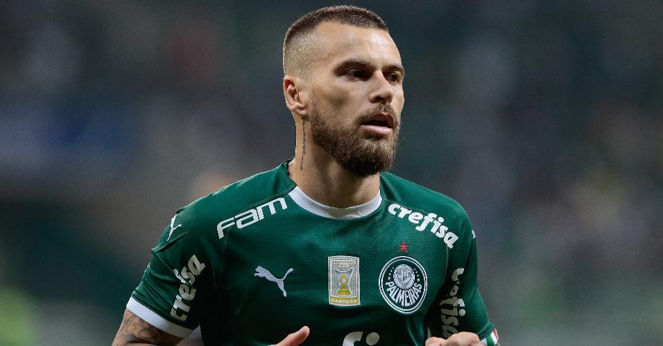 Lucas Lima em ação com a camisa do Palmeiras