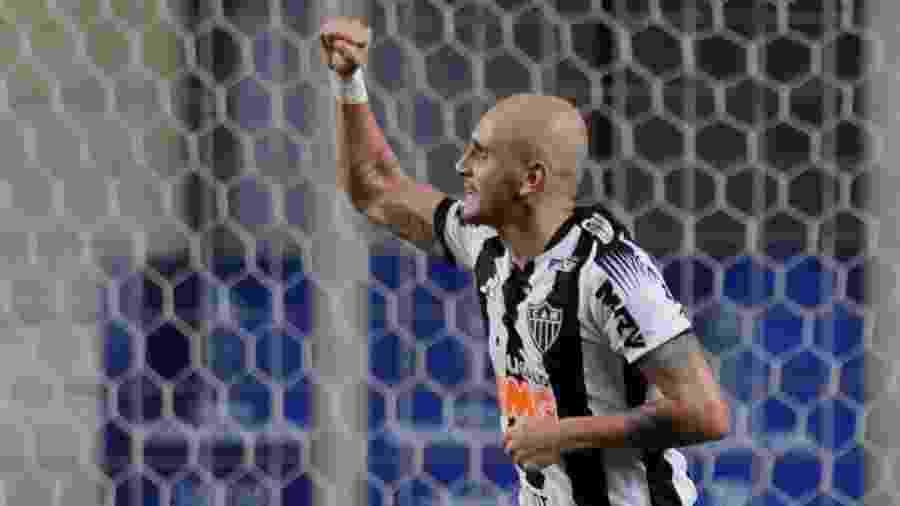 Fabio Santos comemora gol pelo Atlético-MG - REUTERS/Ueslei Marcelino