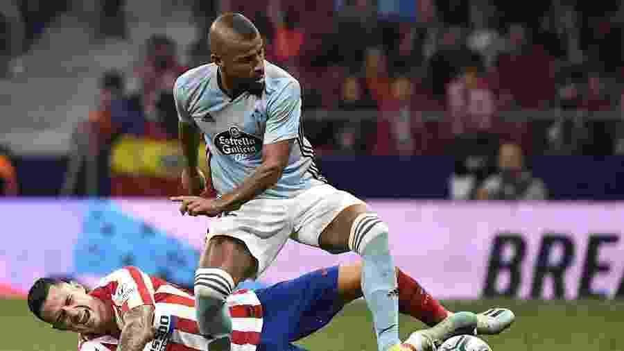 Rafinha em ação pelo Celta contra o Atlético de Madri: o meia é o quarto mais caçado na Europa - Pierre-Philippe Marcou/AFP