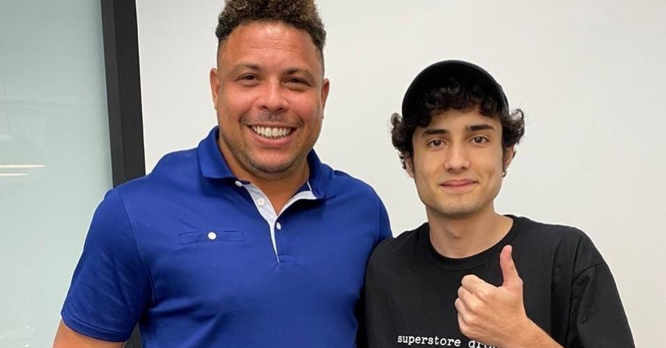 Ronaldo Fenômeno com o jogador e streamer NinexT