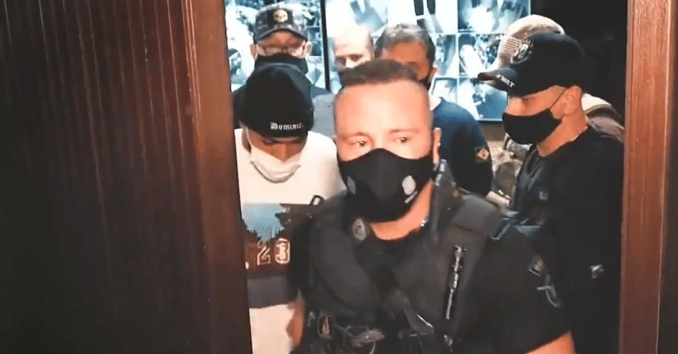 Gabigol foi levado para a delegacia depois de ser flagrado em um cassino clandestino em São Paulo