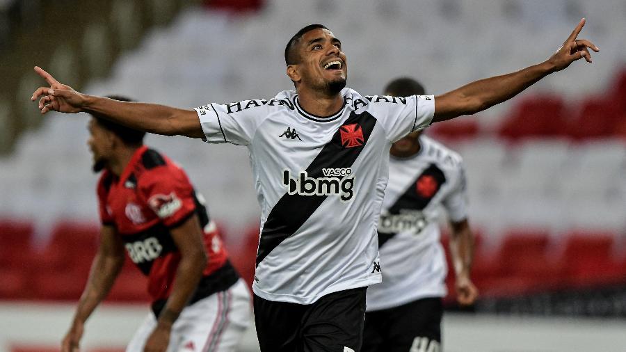 Leo Matos comemora gol do Vasco contra o Flamengo, pelo Campeonato Carioca - Thiago Ribeiro/AGIF