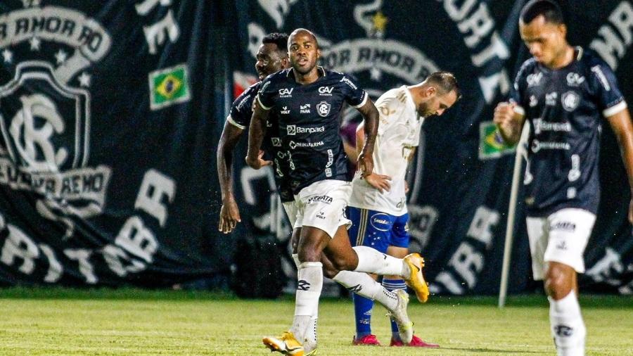 Jogadores do Remo comemora gol contra o Cruzeiro pela Série B - Fernando Torres/AGIF