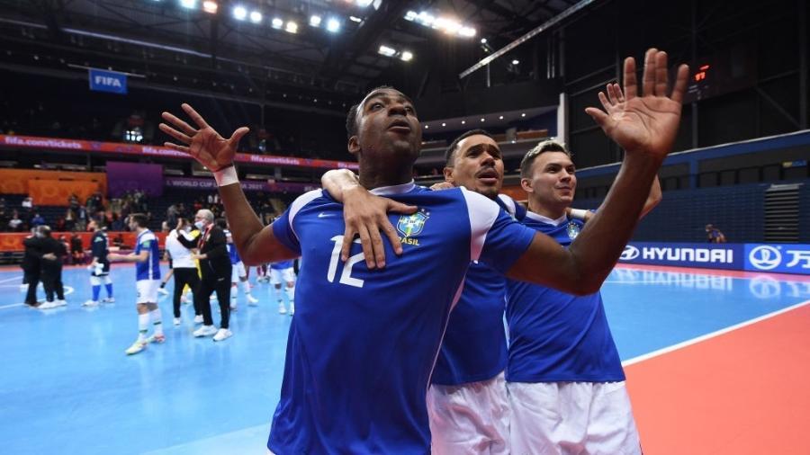 Copa do Mundo de Futsal terá Brasil x Argentina nas semifinais  - GettyImages