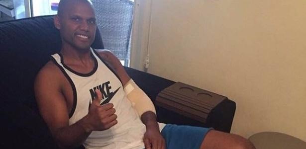 Jefferson teve alta após cirurgia no braço esquerdo - Divulgação/SMG