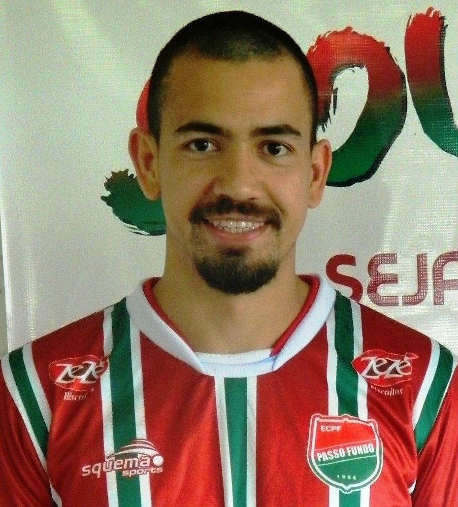 Saimon (25 anos), zagueiro ex-Grêmio, jogará o Campeonato Gaúcho pelo Passo Fundo