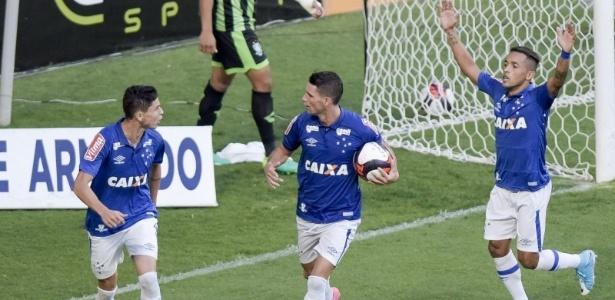 Antes titulares, escalações de Thiago Neves e Rafinha dependerão do adversário - Washington Alves/Cruzeiro