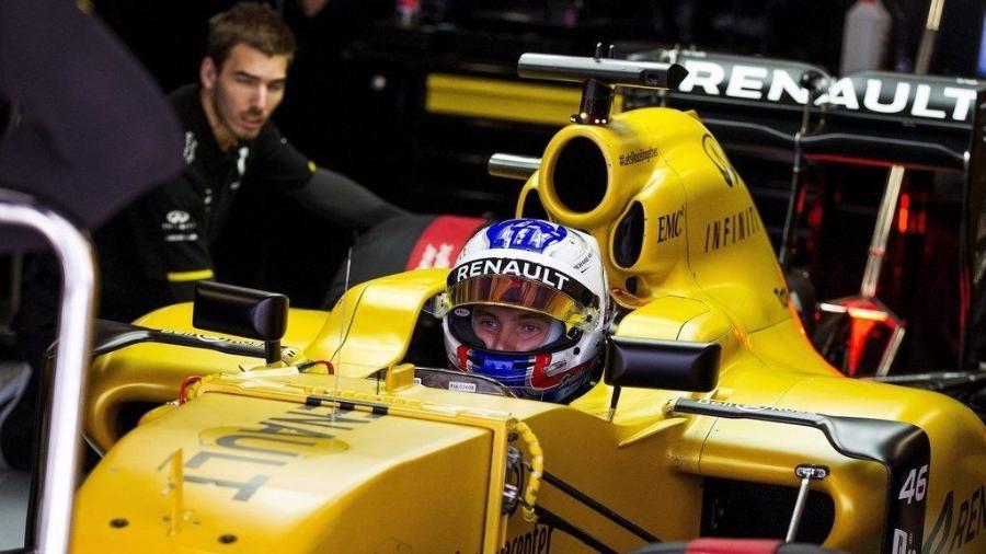 O piloto russo Sergey Sirotkin foi piloto de testes da Renault em 2017 - Renault/Divulgação