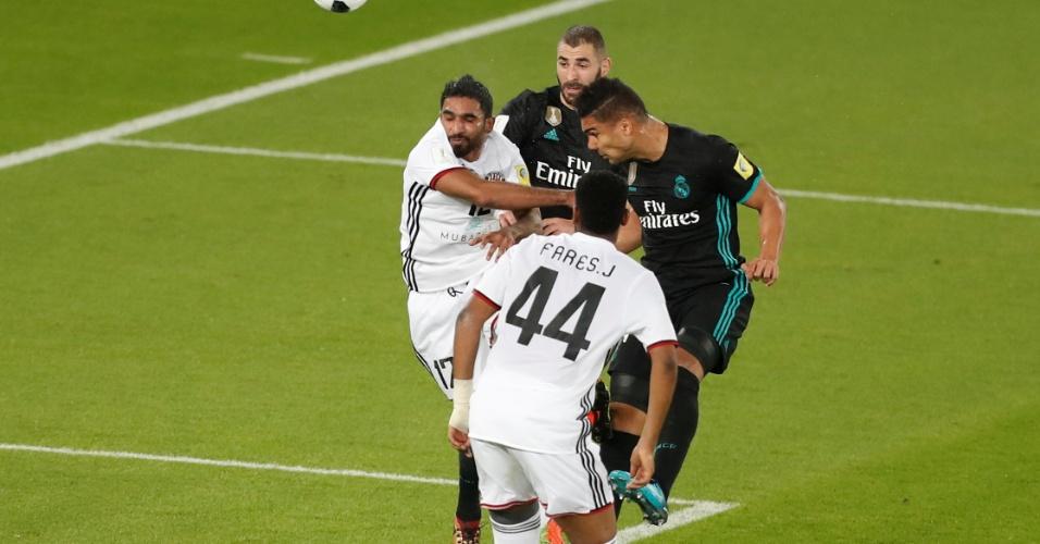 Casemiro dá a cabeçada que resultou em gol anulado do Real Madrid