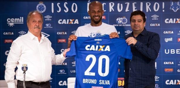 Bruno chega ao Cruzeiro para concorrer a uma vaga no time titular de Mano Menezes