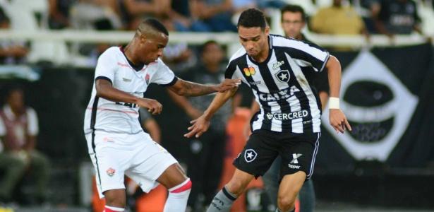 Vitória tem volta de titulares contra o Grêmio  veja o provável time.  WALLACE TEIXEIRA ESTADÃO CONTEÚDO 2ee842e6bae25