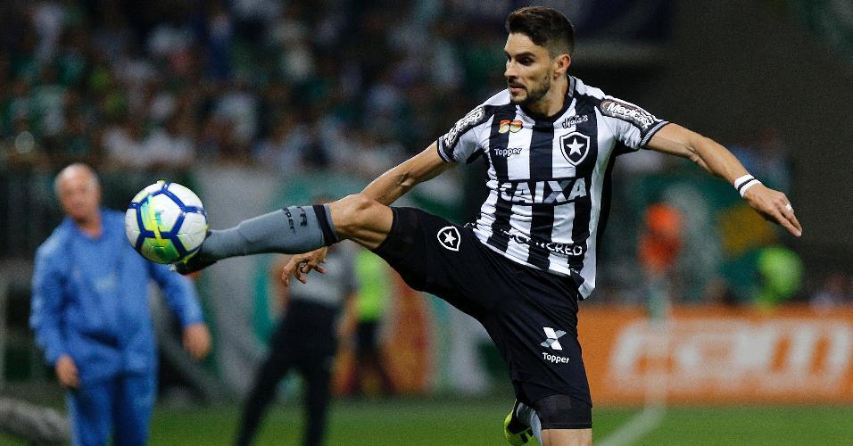 O atacante Rodrigo Pimpão em lance da partida entre Palmeiras e Botafogo