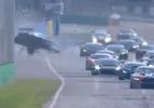 Piloto brasileiro se acidenta em Monza e sofre fraturas nas duas pernas - Reprodução/GT Open International