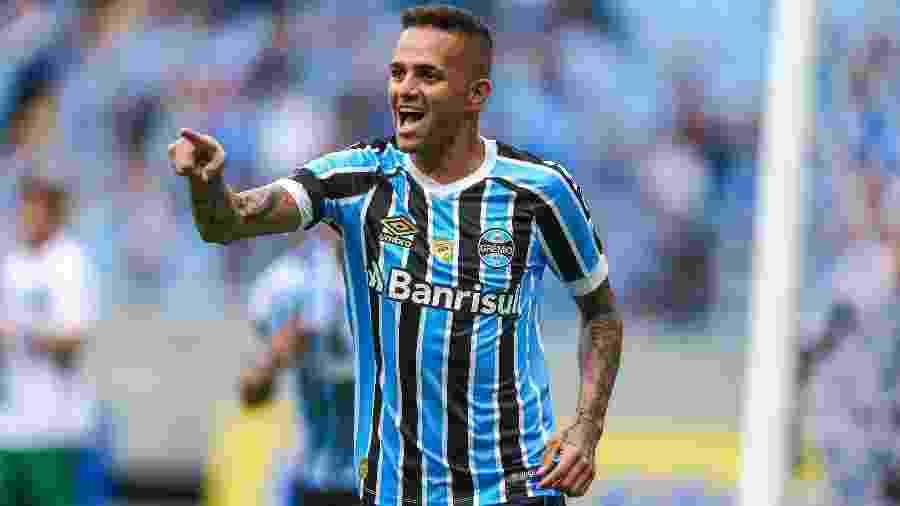 Luan comemora gol do Grêmio contra o Avenida - LUCAS UEBEL/GREMIO FBPA