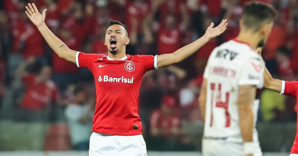Rodrigo Lindoso comemora gol do Internacional contra o Flamengo
