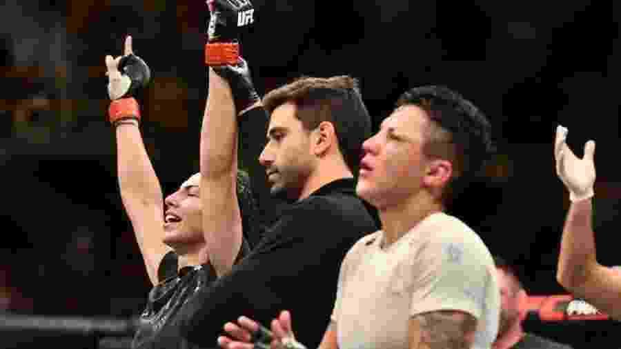 Isabela de Padua (à direita) perdeu para Ariane Lipski no UFC São Paulo - Leandro Bernardes/PxImages