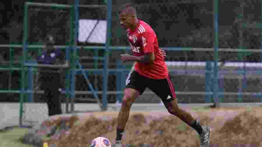 Diego pode ser zagueiro ou volante e também pode ser inscrito em qualquer uma das listas do São Paulo no Paulistão - Rubens Chiri/saopaulofc.net
