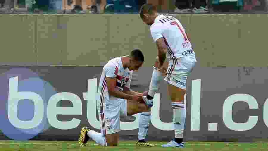 Antony e Alexandre Pato durante partida do São Paulo - Bruno Ulivieri/AGIF