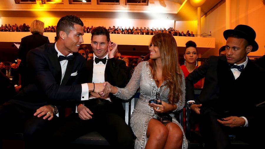 Cristiano Ronaldo e Messi são os maiores vencedores do prêmio de melhor do mundo