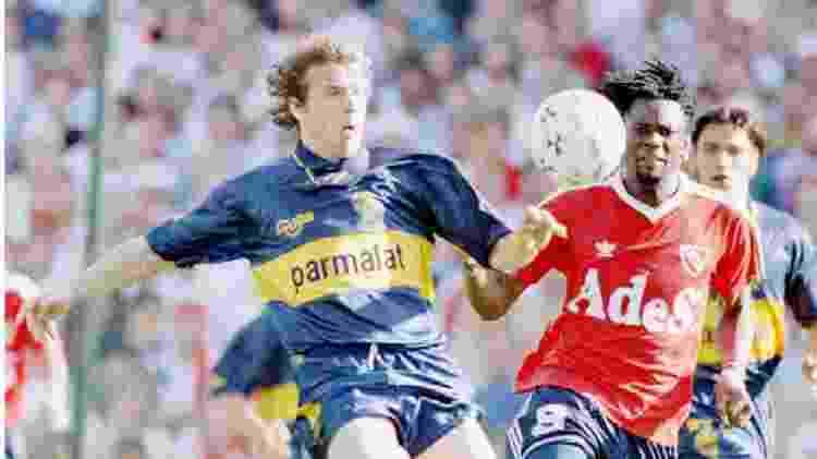 Usuriaga em jogo entre Independiente e Boca Juniors na Argentina nos anos 90 - Reuters
