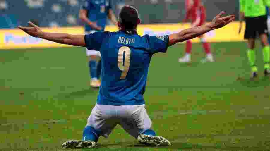Belotti comemora primeiro gol da Itália diante da Bósnia  - ELISABETTA BARACCHI/EFE