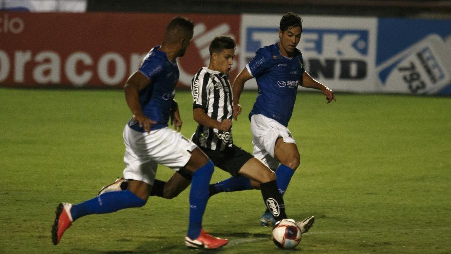 Gabriel Pirani, do Santos, na partida contra o Santo André - Ettore Chiereguini/AGIF