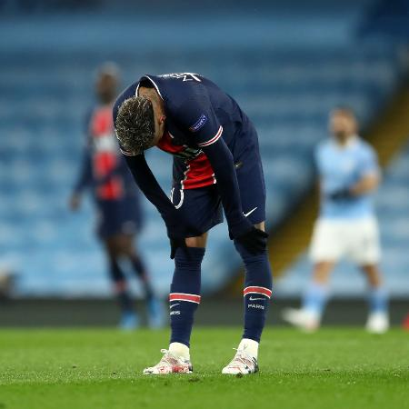 Neymar lamenta derrota do PSG para o Manchester City  - Jan Kruger - UEFA/UEFA via Getty Images