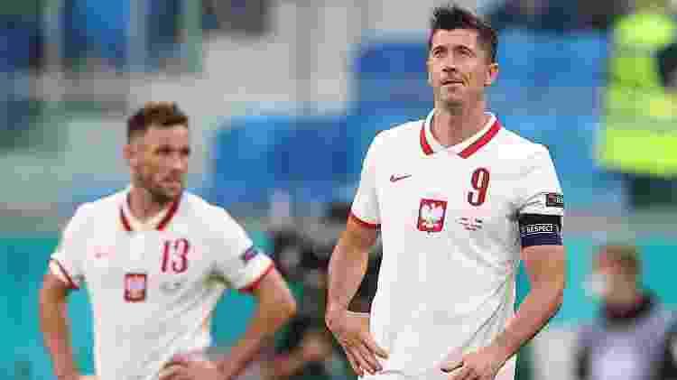Lewandowski lamenta gol marcado por Skriniar, da Eslováquia, durante estreia na Eurocopa pela Polônia - Lars Baron/Getty Images - Lars Baron/Getty Images