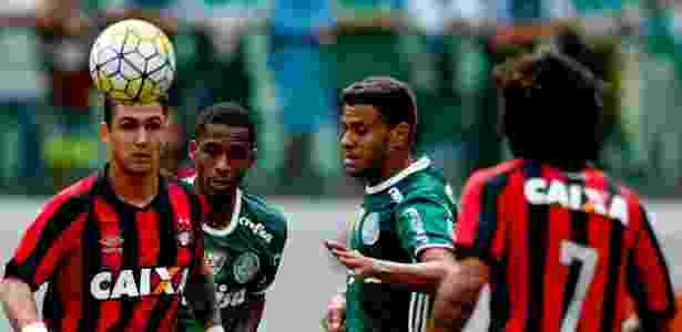 Cleiton Xavier teve bom desempenho diante do Atlético-PR pelo Campeonato Brasileiro - Ernesto Rodrigues/Folhapress