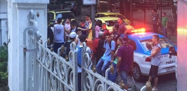 Polícia já havia sido chamada para reforçar patrulha na frente da sede tricolor