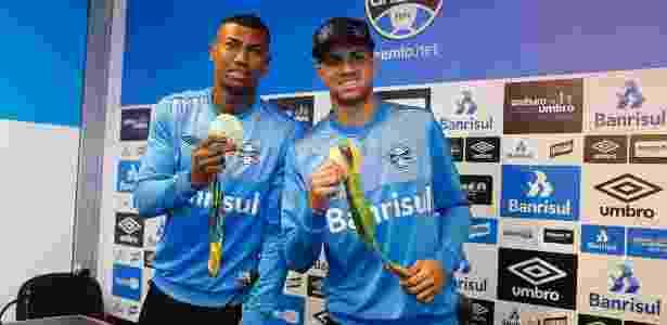 Walace e Luan se valorizaram com medalha olímpica e seleção, mas ficam no Grêmio - Lucas Uebel/Divulgação Grêmio