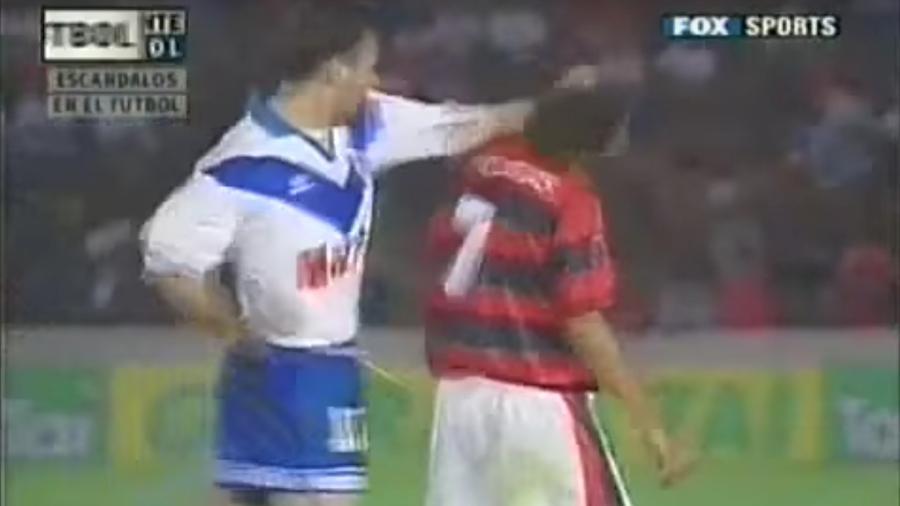 Zandona acerta soco em Edmundo em partida entre Flamengo e Vélez Sarsfield - Reprodução