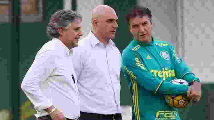 Paulo Nobre e Cuca conversam com Maurício Galiotte, cotado para assumir o Palmeiras após saída do atual presidente - Cesar Grego/Ag. Palmeiras - Cesar Grego/Ag. Palmeiras