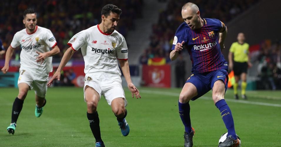 Andrés Iniesta em ação pelo Barcelona contra o Sevilla na final da Copa do Rei.