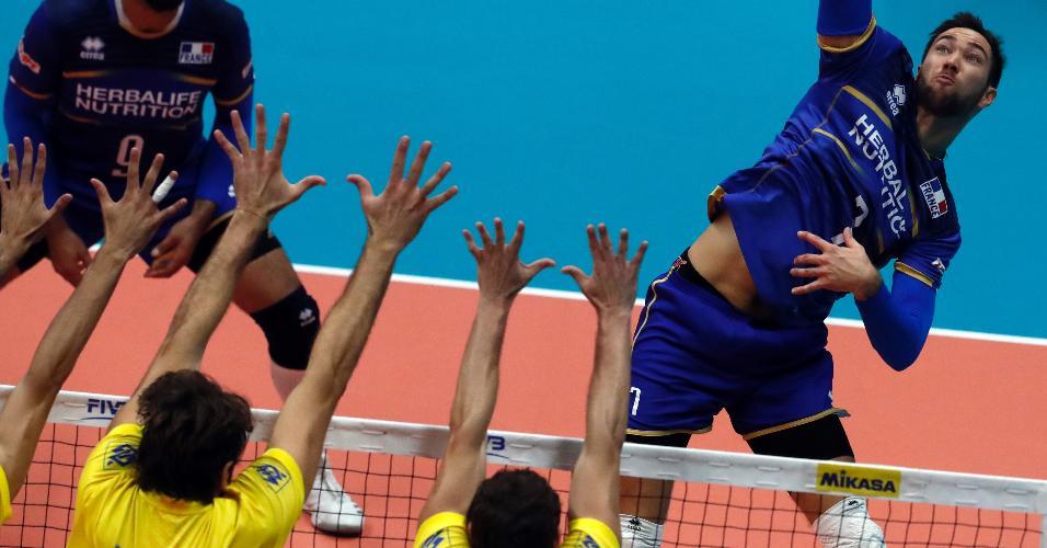 Brasil e França jogaram nesta quinta-feira (13) no Mundial de vôlei