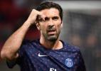 Renovação de contrato de Buffon com o PSG avança, diz jornal - FRANCK FIFE / AFP