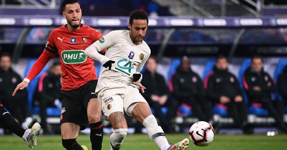 Neymar em lance na partida do Rennes contra o PSG pela Copa da França