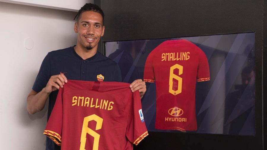 Chris Smalling está emprestado para a Roma até o final da temporada - divulgação/Roma