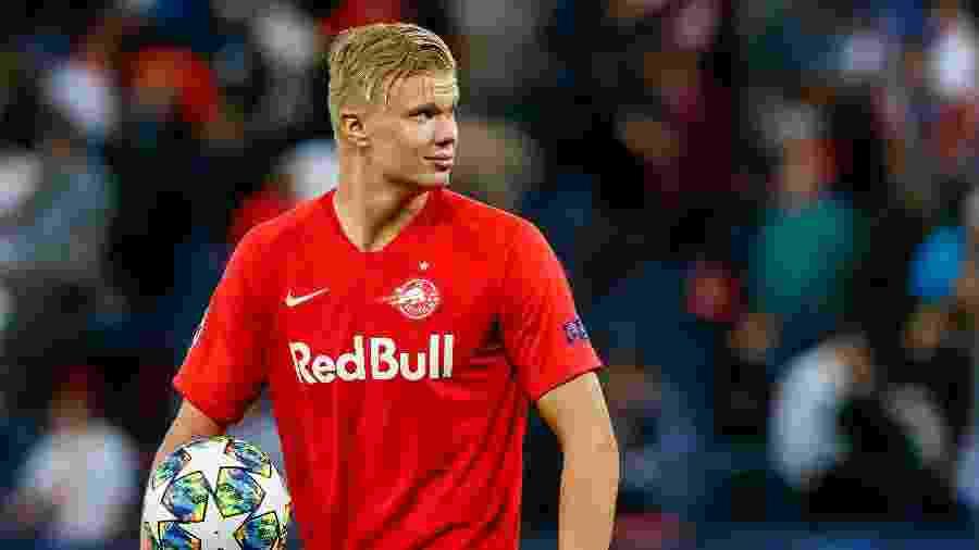 Erling Braut Haland teve atuação de gala na Champions League e marcou três gols contra o Genk - TF-Images/Getty Images