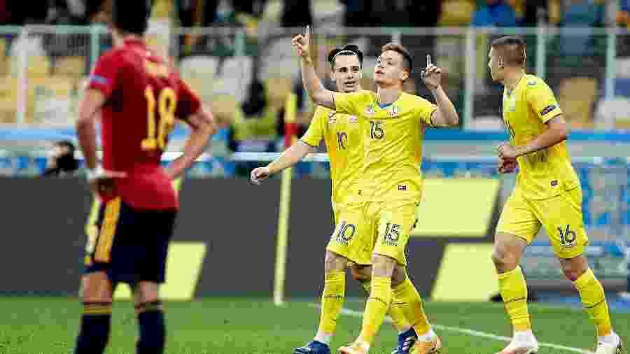 Viktor Tsygankov comemora gol da Ucrânia contra a Espanha na Liga das Nações - Getty Images