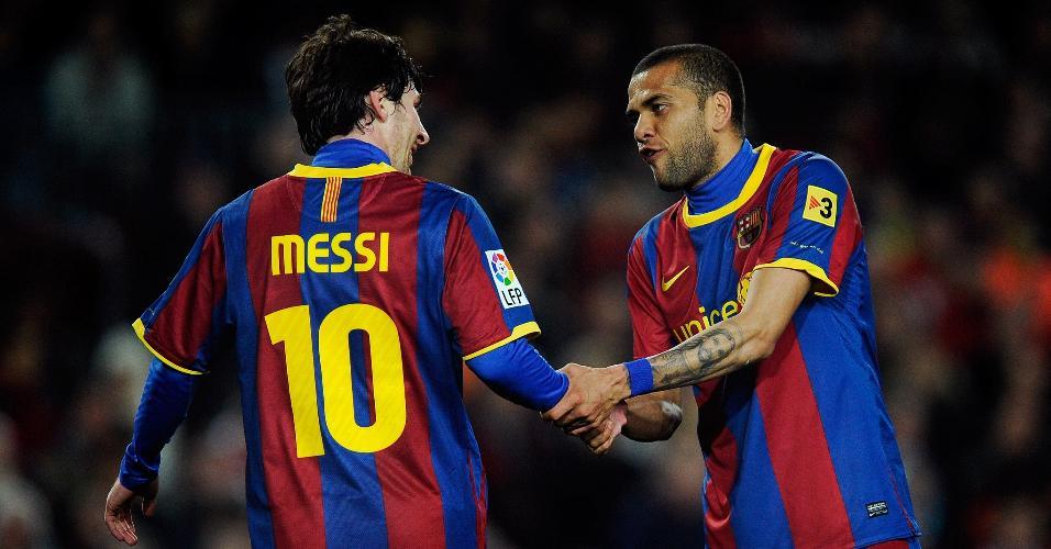No Barcelona, Daniel Alves tornou-se um dos principais parceiros de Messi
