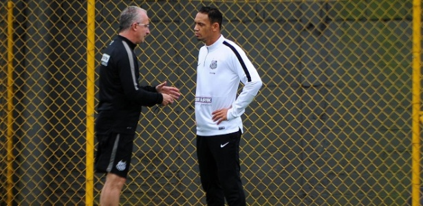 Dorival Júnior é técnico do Santos