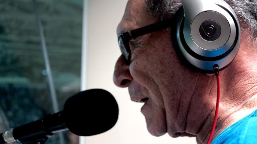 José Silvério, da rádio Bandeirantes, na transmissão de Palmeiras x Nacional no Allianz Parque - Adriano Wilkson/UOL
