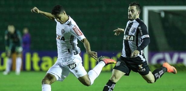 Douglas Santos está perto de completar 100 jogos pelo Atlético-MG