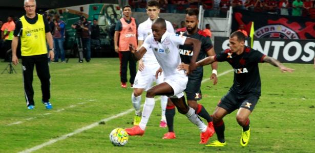 Lateral Caju quase foi negociado para o Lille, da França, nesta temporada