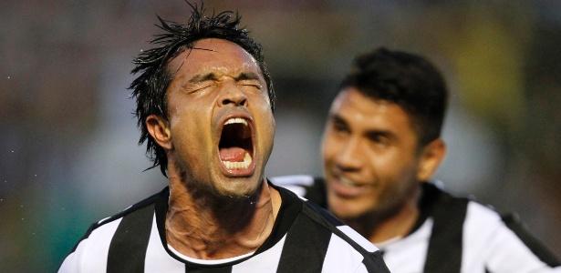 Dudu Cearense comemora após marcar pelo Botafogo