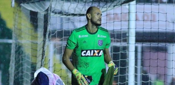 Fábio, 38 anos, foi apresentado pelo Figueirense em 18 de maio